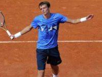 Андрей Кузнецов покинул турнир в Марселе