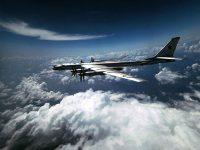 Пентагон нервничает: бомбардировщики близ Аляски