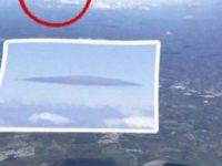 При посадке авиалайнера пассажир заметил НЛО