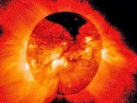Огромная дыра недавно появилась на Солнце