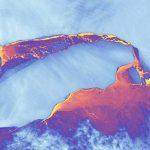 Спутник НАСА передал фото мегаайсберга