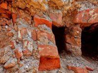 В Старой Руссе мост XIX века снова закопали