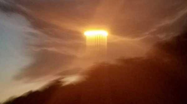 В США засняли светящийся НЛО