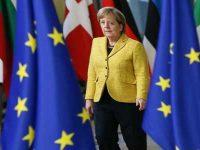 Меркель: санкции против РФ должны быть продлены